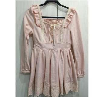 🚚 保證正版LIZ LISA粉色洋裝白色刺繡