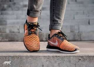 Nike Roshe Run Two Flyknit (US 10)