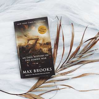 World War Z by Max Brooks (Free Shipping Nationwide)