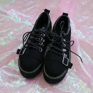 皮帶釦麂皮造型厚底鞋