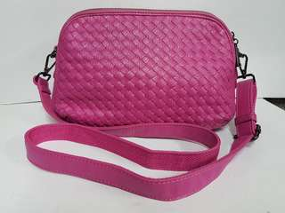PINK LEATHER WOVEN SLING BAG- MULTI COMPARTMENT