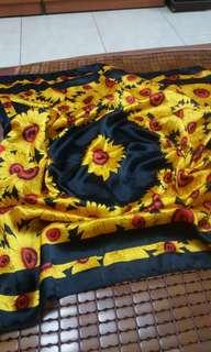 🚚 向日葵絲巾