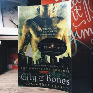 City of Bones (Cassandra Clare)
