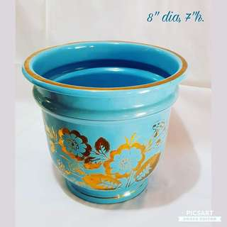 Vintage Blue Enamel Pot with Gold Flower Motif. Unused, Mint Condition. Refer to photos for size. $75 Clearance offer. Sms 96337309.