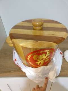 Wooden pot (for keeping rice)
