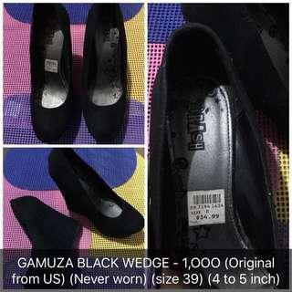 Gamuza wedge sandals