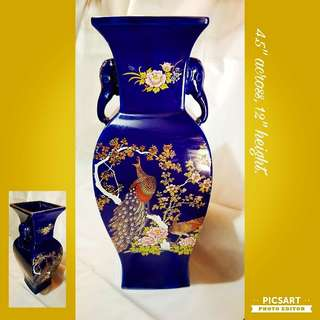 "1970s Vintage Porcelain Vase with Peacock & Pheonies on cobalt blue background. Large, 12"" tall. Very Good Condition. $15 Clearance offer. Sms 96337309."
