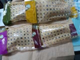 美心一品家鄉粽一隻,原隻鮑魚瑤柱粽一隻,嘉興粽一隻,貴妃豆沙粽一隻