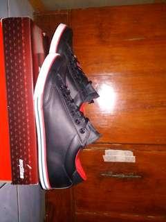Sepatu sekolah ardiles