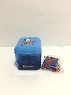 PC 狗萬字夾盒連萬字夾 Pochacco Clip Dispenser (Brand new 全新)
