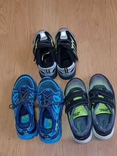3 pieces of rubber shoes for boys (World balance and columbia)