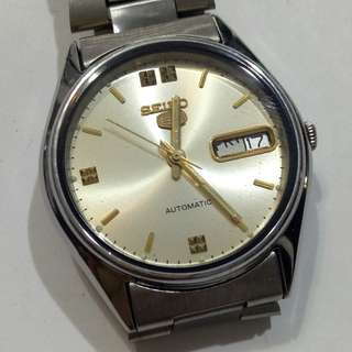 SEIKO 5  Autumotic Watch bezel 35mm  23 jewels Date & Day display calendar Working condition  9/10 new 7S36-019L Sold as is  Sold as seen Check before payment Made in Japan