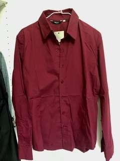 🚚 全新 英倫經典時尚 韓版修身剪裁酒紅色長袖襯衫 質感雅痞