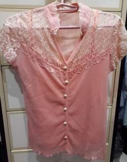 Pink lace top w/ inner 👚