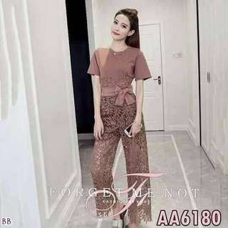Set tee and lace pants ; f@