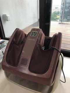 High end luxurious Osim Usqueeze Warm with heat & vibration foot massage