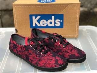 KEDS FLORAL DENIM RED
