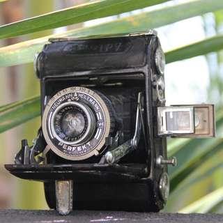 Alder B Vintage Camera