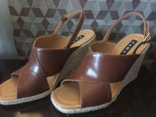ZARA 38 Leather Wedge Espadrilles