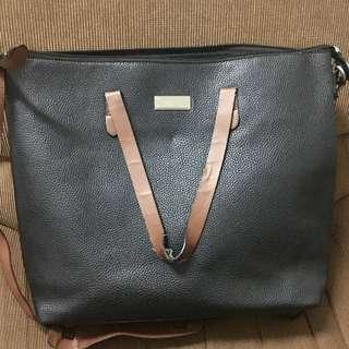 Mango black sling bag (2 handles)