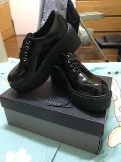 🚚 厚底學士鞋