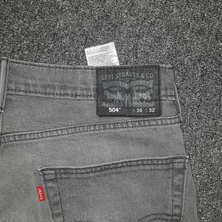 Selling two pairs of Eddie Bauer Shorts and Levis Jeans