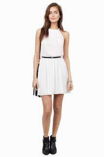 70% discount! HEART STRINGS WHITE BRAIDED NECK CINCHED WAIST DRESS