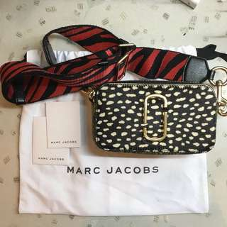 Authentic Marc Jacobs Women's Black Spotted Snapshot Camera Bag