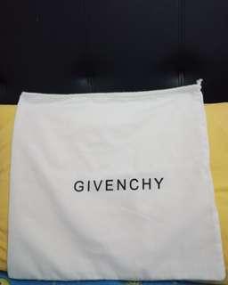 Dustbag givenchy