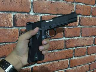 Airsoft pistol WE 1911 Gas type