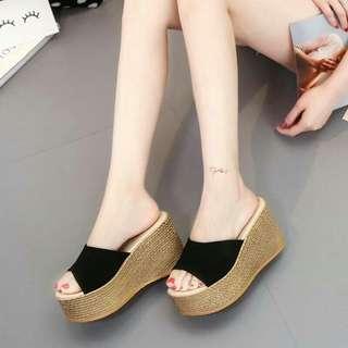 #預購 #女鞋 簡約坡跟韓版一字拖厚底女鞋 320元 尺碼👉34~40 顏色👉米白/綠/黑