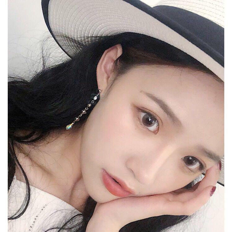 Chis Store【冰晶流蘇耳環】金秘書為何那樣 同款水晶 韓國耳環 垂墜耳環 夾式耳環 耳夾 純銀耳環 NDE180