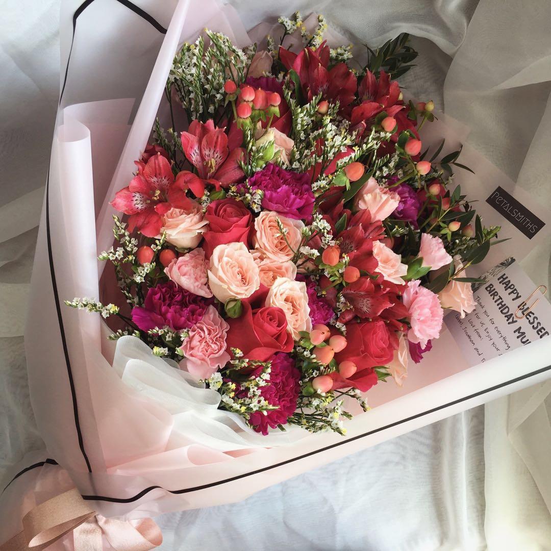Fresh flower bouquet in korean style wrap gardening flowers fresh flower bouquet in korean style wrap gardening flowers bouquets on carousell izmirmasajfo