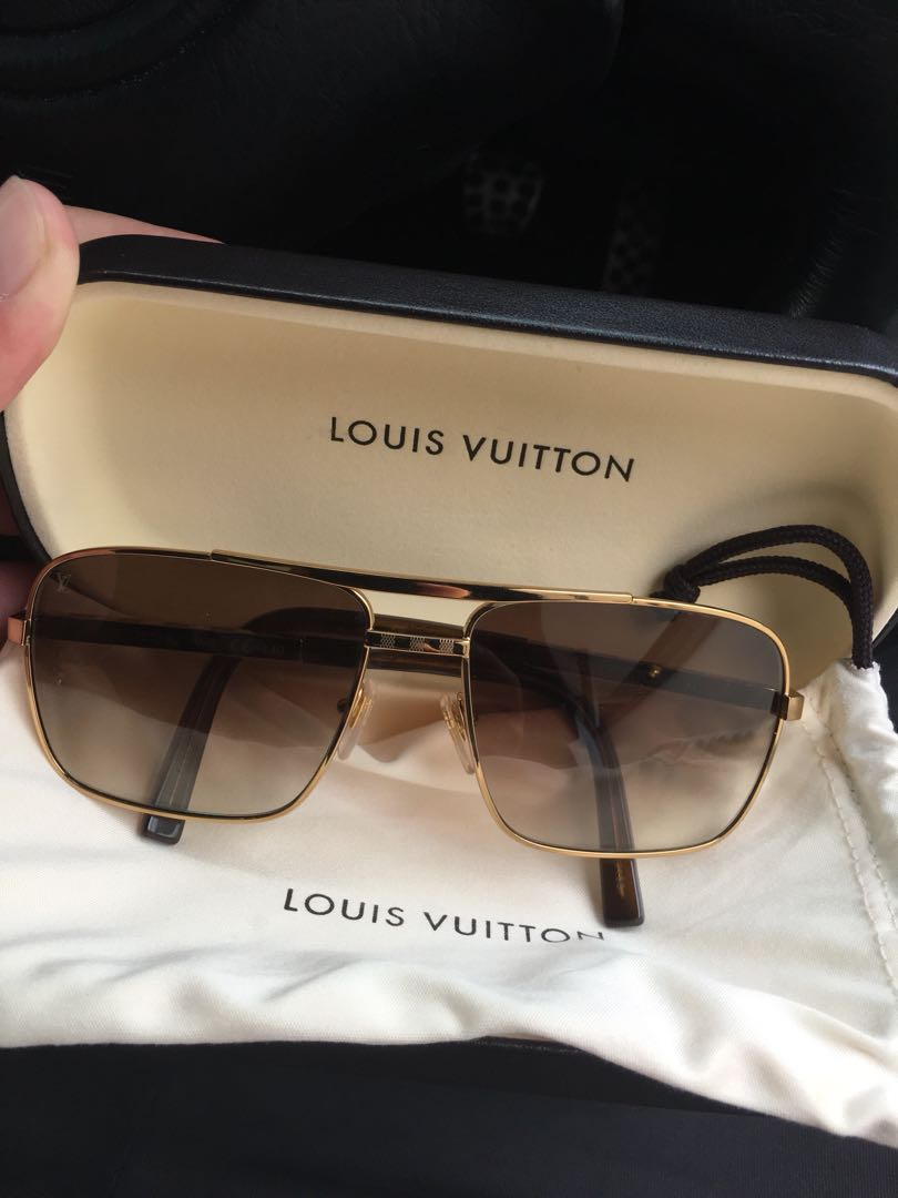 d3a83b56c551 LOUIS VUITTON ATTITUDE SUNGLASSES, Luxury, Accessories, Others on Carousell