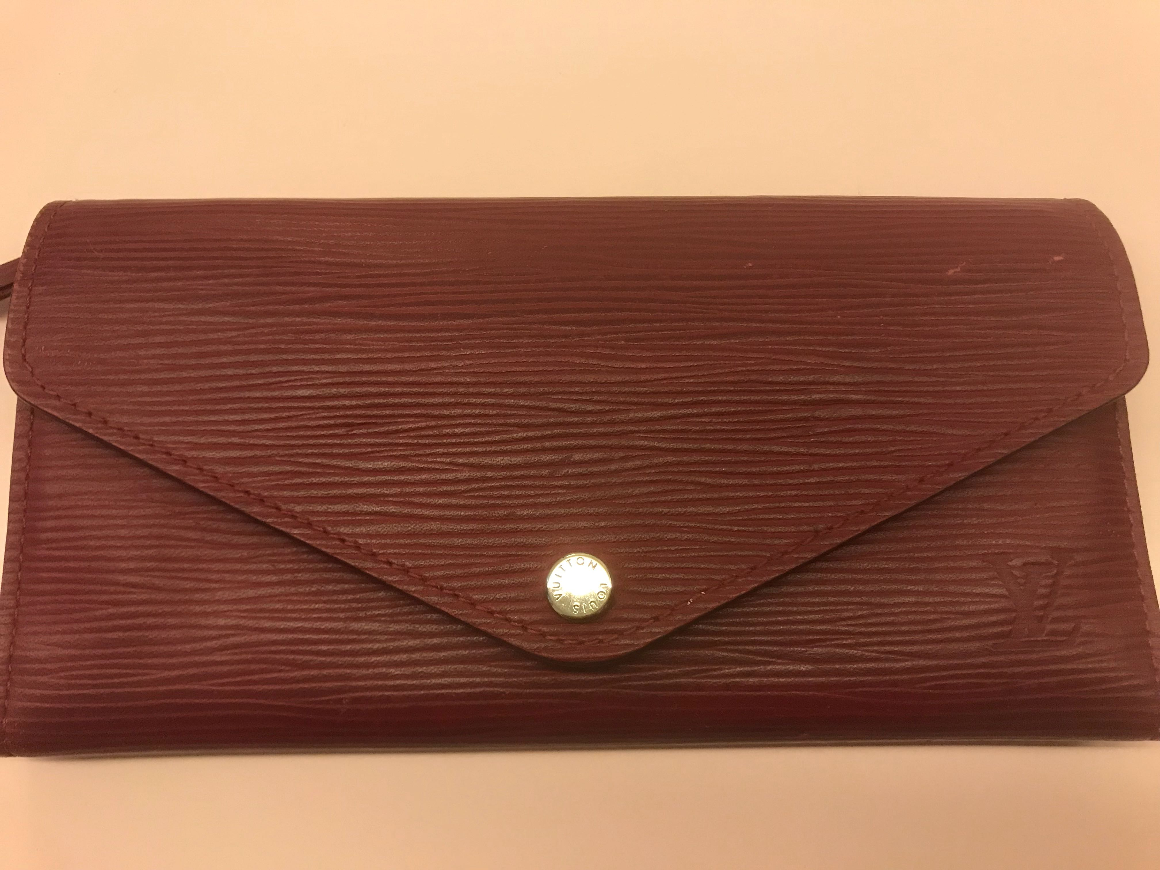 7bc322f0f7 Louis Vuitton (LV) Josephine Wallet - Authentic in Epi Leather