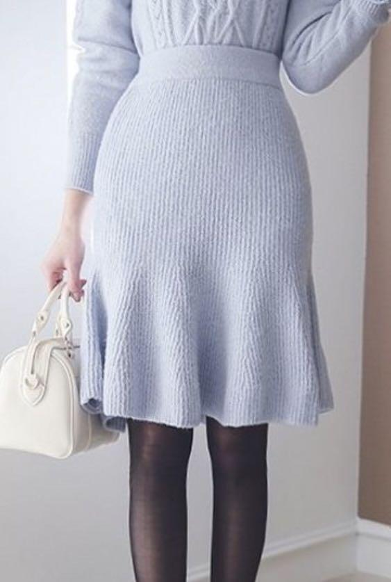 New knit wool skirt fit and flare mermaid free size blue