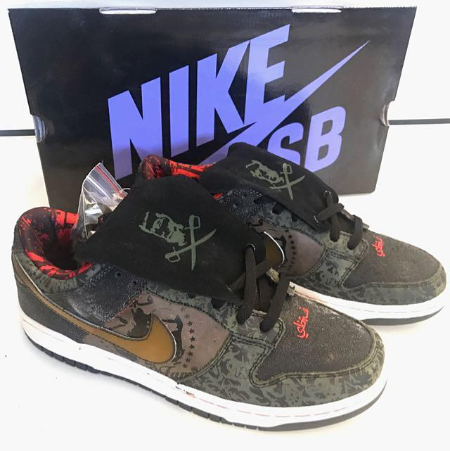 new concept 8435e b527f Nike Dunk Low SB SBTG, Men's Fashion, Footwear on Carousell