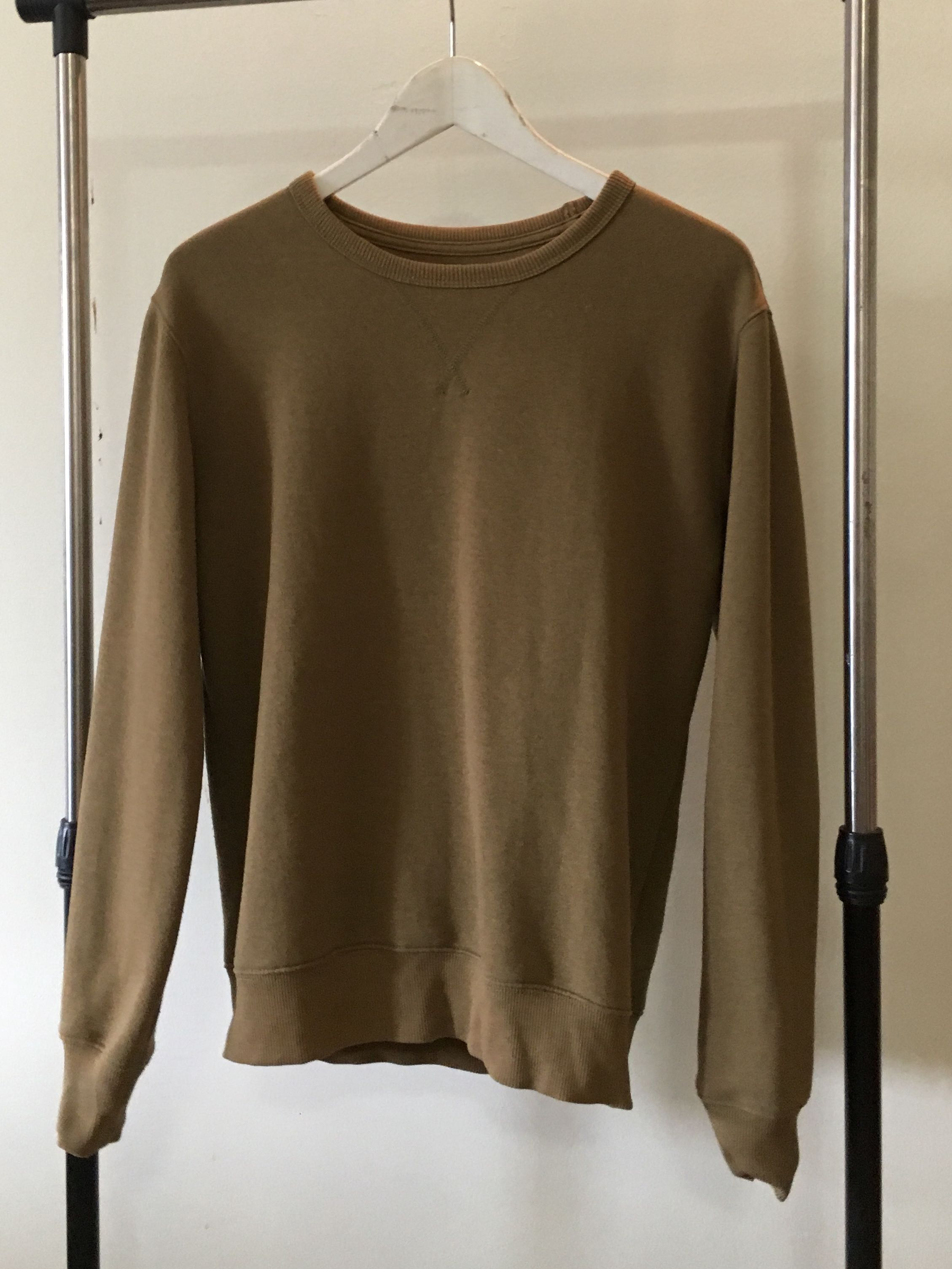 7db5eb525 PRELOVED SPAO SWEATSHIRT, Men's Fashion, Clothes, Tops on Carousell