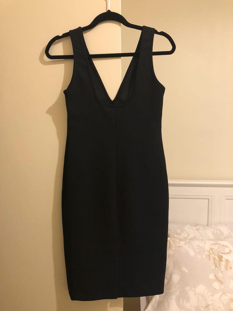 White Suede little black dress, sz8au, slim fit, ideal for evening party.