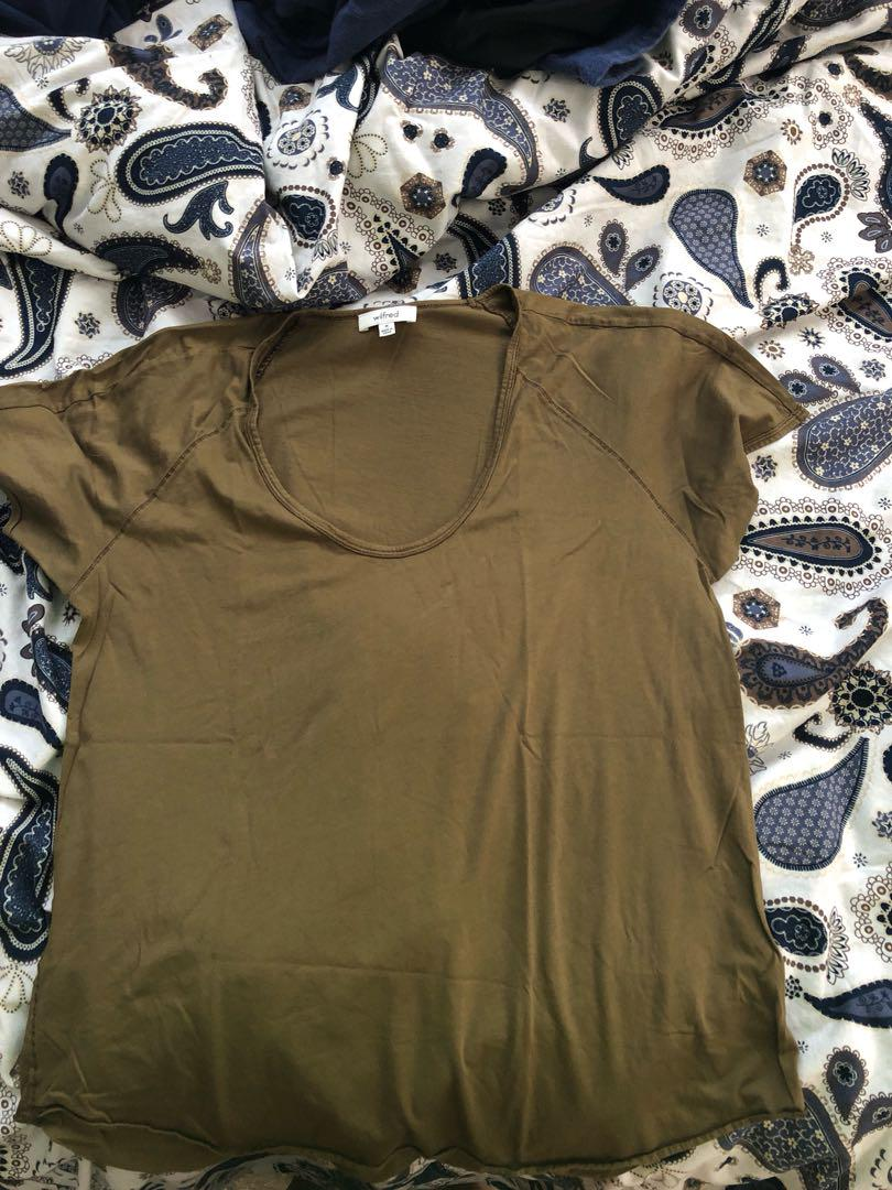 Wilfred Military Green Basic Tee