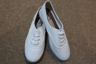 Keds shoes (white) not original