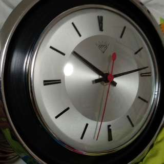 RARE Diamond brand wall clock *electrical; not battery operated*