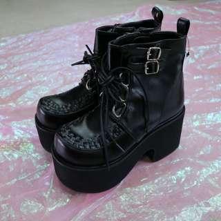 皮帶釦藤編造型厚底靴