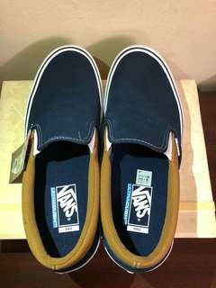 Vanz off the wall shoes color blue