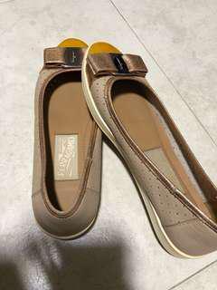 Ferragamo shoes 6M size