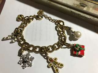Juicy couture winter holiday bracelet set