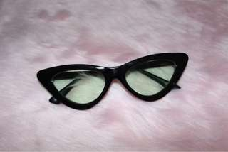 Cat eye tint sunnies