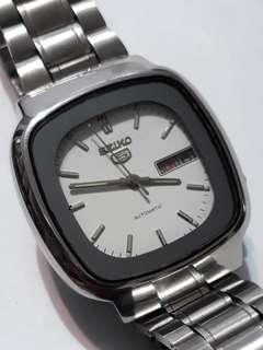 SEIKO 5 Automatic watch  Bezel 37mm 21 jewels