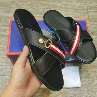 Sandal Bally Pria