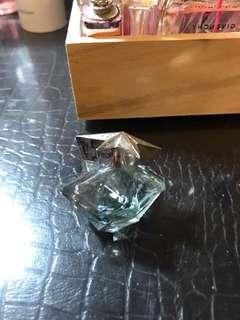 🚚 Angel perfume